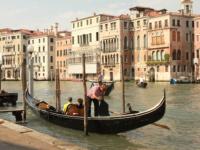 Поездка в Венецию приведет тебя в восторг, будь уверен в этом, решайся скорее и поезжай туда!
